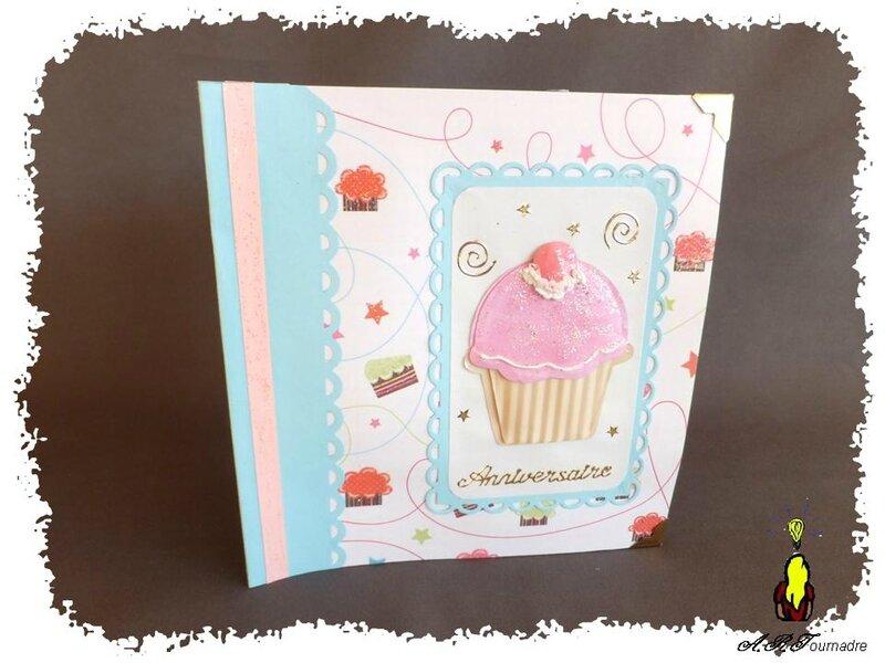 ART 2014 03 mini album cupcakes 3