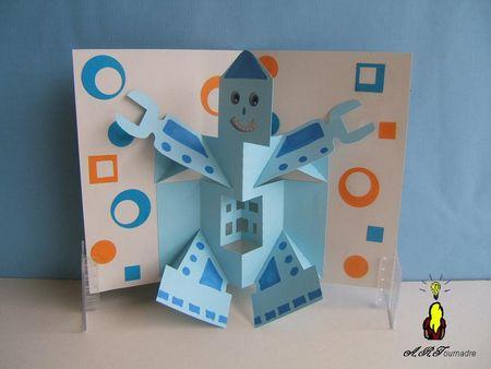 ART_2011_03_robo_2