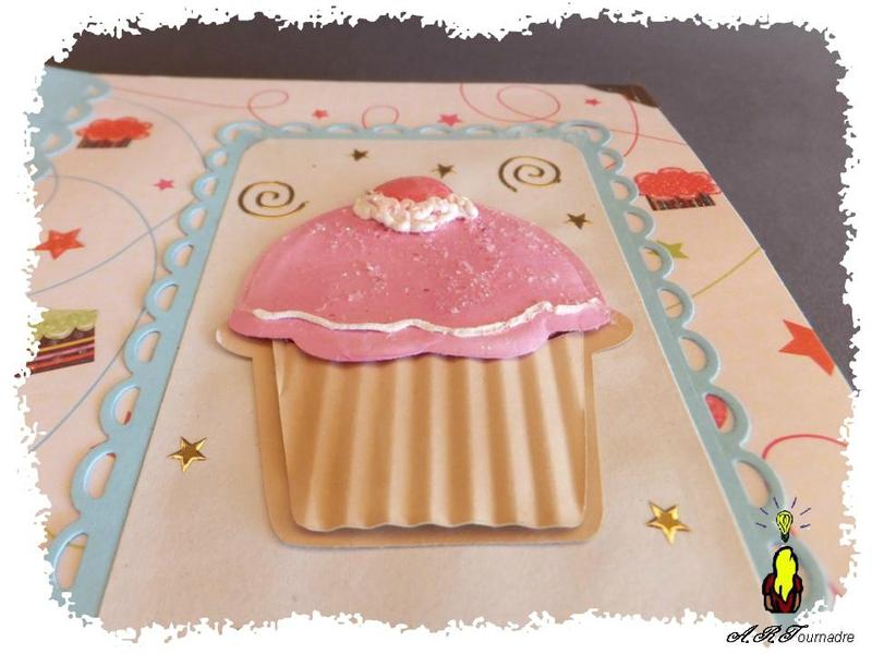 ART 2014 03 mini album cupcakes 4