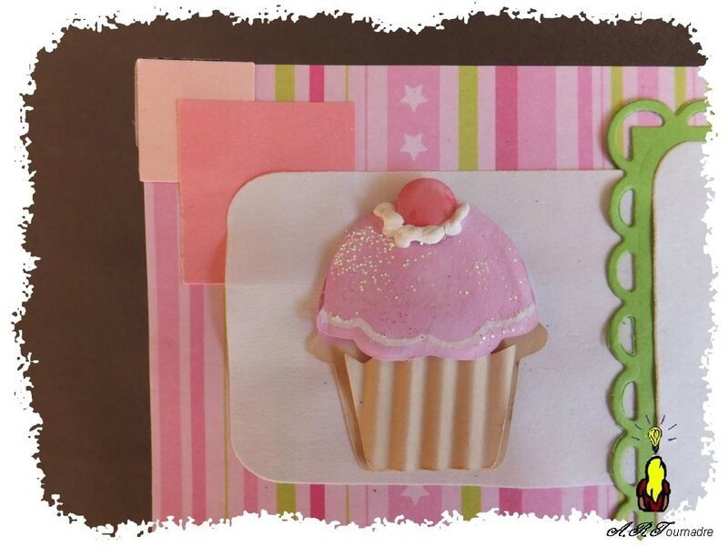 ART 2014 03 mini album cupcakes 7